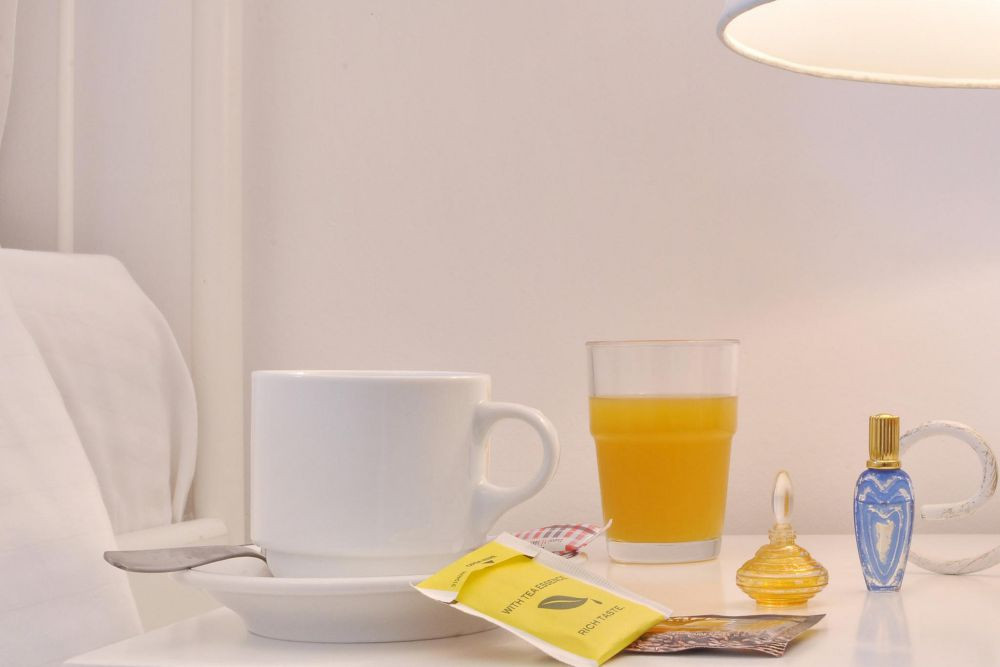 breakfast in the bedroom