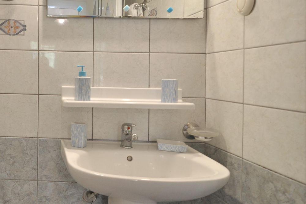 bathroom accommodation agios gordios