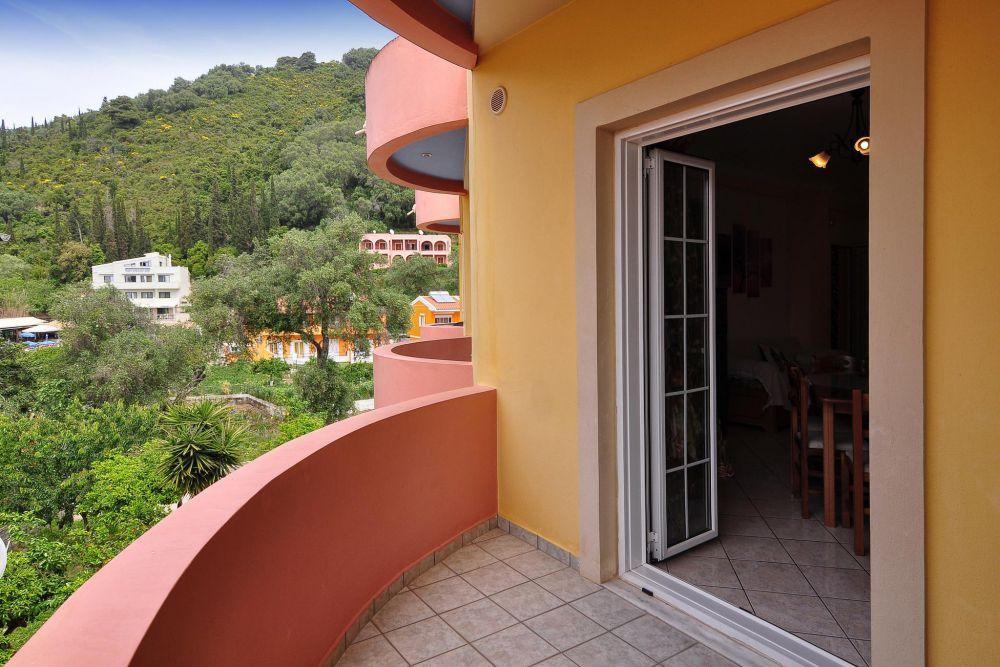 balcony accommodation agios gordios