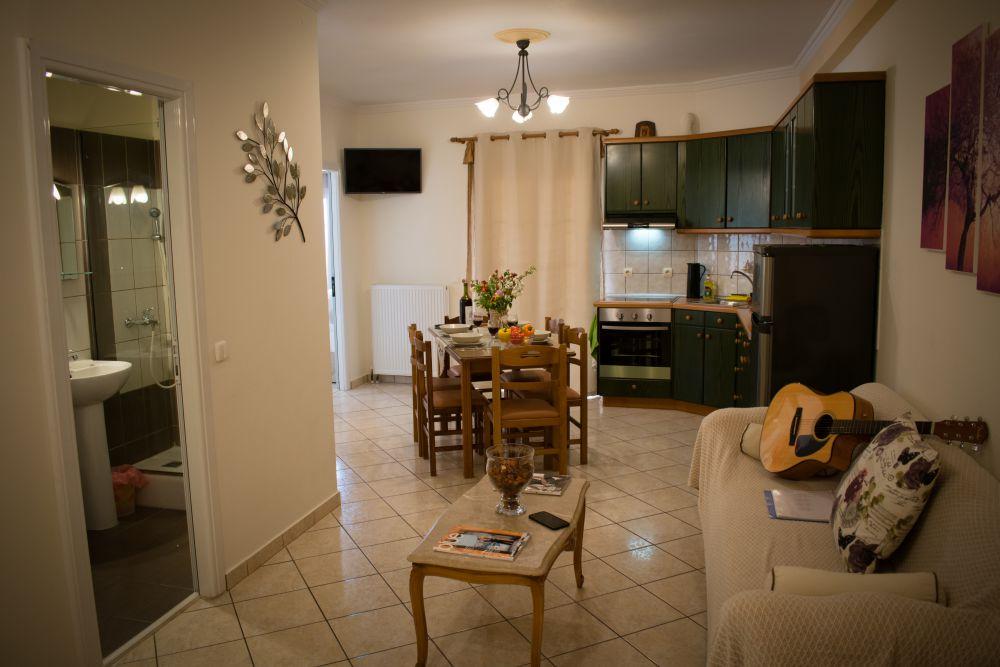 rolandos apartments interior